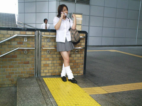 japan-girls-with-socks-only